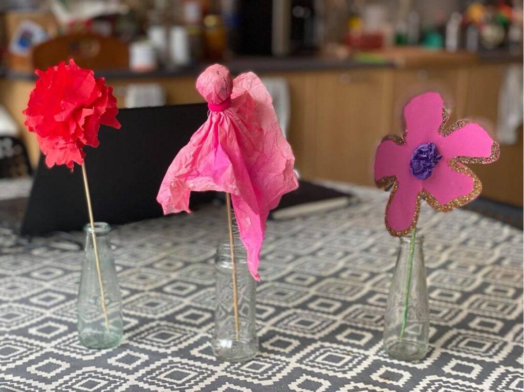 Матея, Евгения Войнова, хартиени цветя